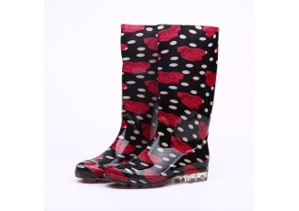 China 202-2 red rose fashionable ladies pvc rain boots factory