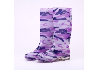China 202 light weight fashion rain boots for women factory